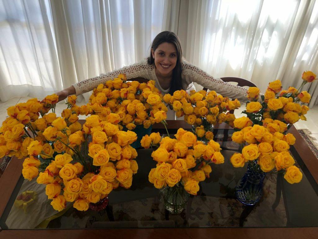 Carol e as rosas amarelas